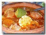 モーレ・デ・オジャ 肉と野菜のスパイシー土鍋煮込み アップ