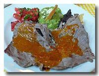 タサホ・サルサ・メヒカーナ 干し肉のトマトチリソースがけ