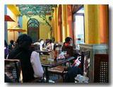 ラパスのカフェテリアドゥンボの雰囲気