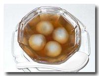 ブアローイ・ナムキン 黒ごま団子の生姜汁