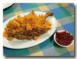 アヤムゴレン インドネシア風鶏の唐揚げ と サンバル