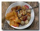 ミーバッソ 魚のつみれ入り麺 屋台