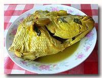 イカン・クア・クニン 魚のターメリックスープ煮