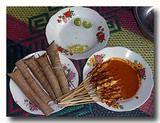 サテ・アヤム・ササック 盛り合わせ ササック風鶏の串焼き