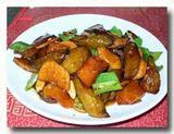 地三鮮 ピーマン、ジャガイモ、茄子の角切り炒め 皿全体