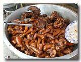 豚の舌やしっぽの醤油煮込み