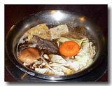 台東県 布農部落の羊肉爐(羊鍋)を煮込んでいるところ