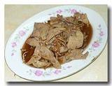炒麻油羊肝 羊の肝のごま油炒め 皿全体