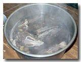 山羌湯  [キョンのスープ]  の鍋