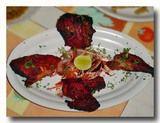 マハラシュートラのマテランのムガル料理屋のタンドーリ・チキン
