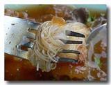 カポップラーナムデーン 魚の浮き袋のあんかけスープに麺を投入