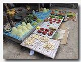 ケイ島の市場 野菜を売るお店