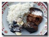 シャコガイのマリネと魚の即席ご飯