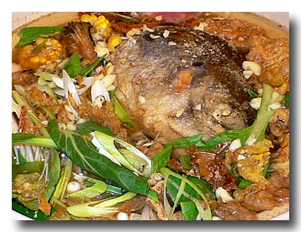 砂鍋鮭魚頭 [鮭の頭鍋] アップ